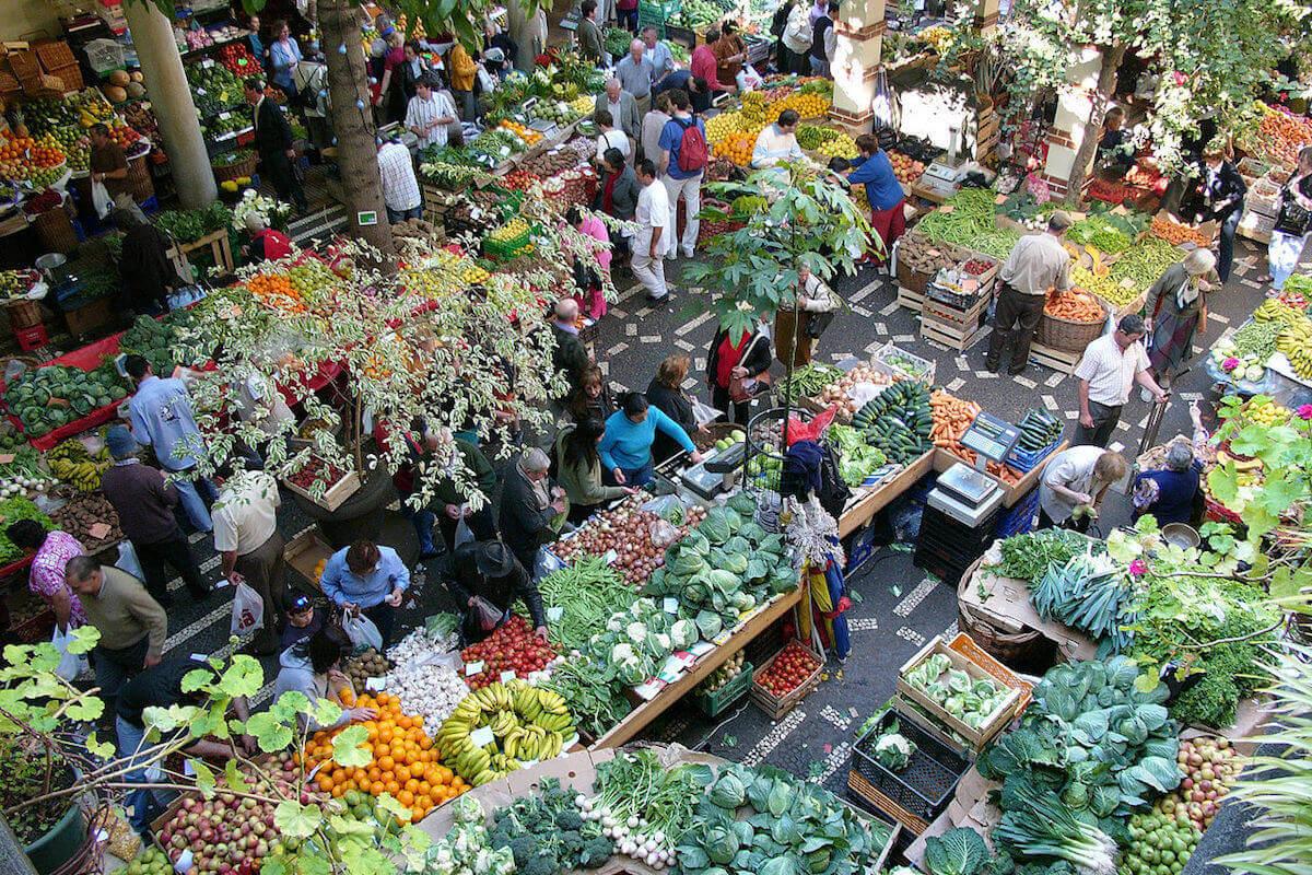 8. Farmers Market (Mercado dos Lavradores)